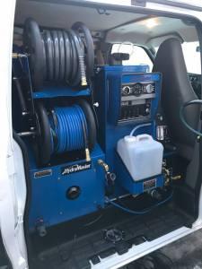 CDS in 4 Wheel drive van